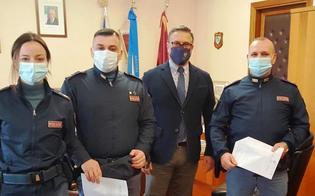 https://www.seguonews.it/caltanissetta-tre-malviventi-arrestati-dopo-una-sparatoria-promossi-i-poliziotti-spagnolo-e-salute