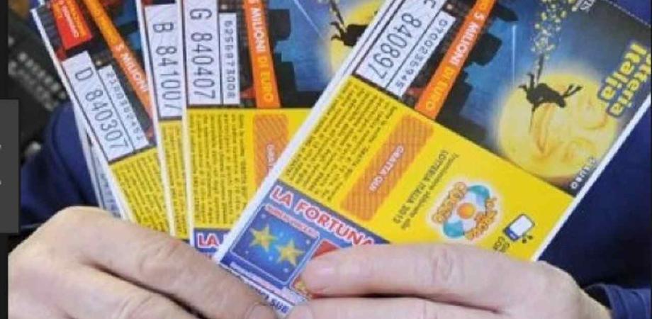 Lotteria Italia, oggi i biglietti vincenti ai Soliti Ignoti: ecco i premi in palio. Il primo è da 5 milioni