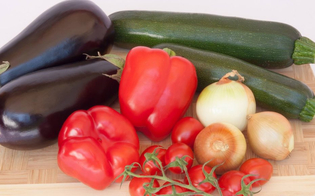 https://www.seguonews.it/con-il-maltempo-volano-i-prezzi-di-peperoni-melanzane-e-zucchine