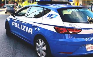 Caltanissetta, ladro si intrufola in casa e il proprietario se ne accorge dal cellulare: polizia sul posto