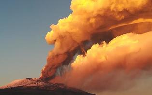 https://www.seguonews.it/letna-non-si-ferma-ancora-fuoco-e-spettacolo-il-flusso-lavico-diretto-verso-la-valle-del-bove
