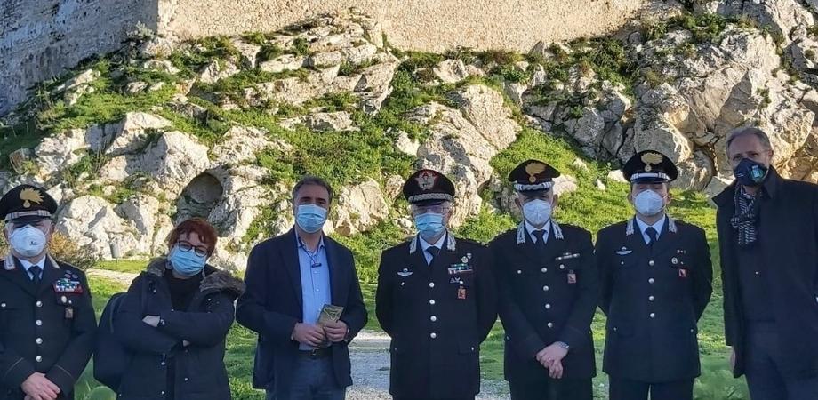 Mussomeli, il comandante della Legione carabinieri Sicilia in visita al castello Manfredonico