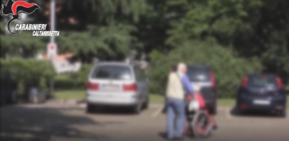 """San Cataldo, a Casa Serena """"i glutei degli anziani fotografati per deriderli"""": le immagini scambiate su WhatsApp"""