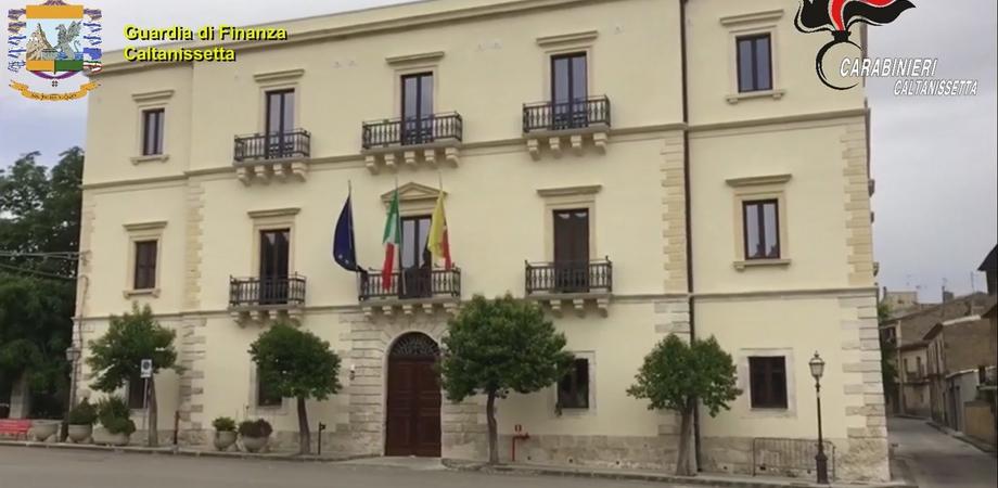 Santa Caterina, appalti pubblici in cambio di favori: l'ex vicesindaco torna in libertà