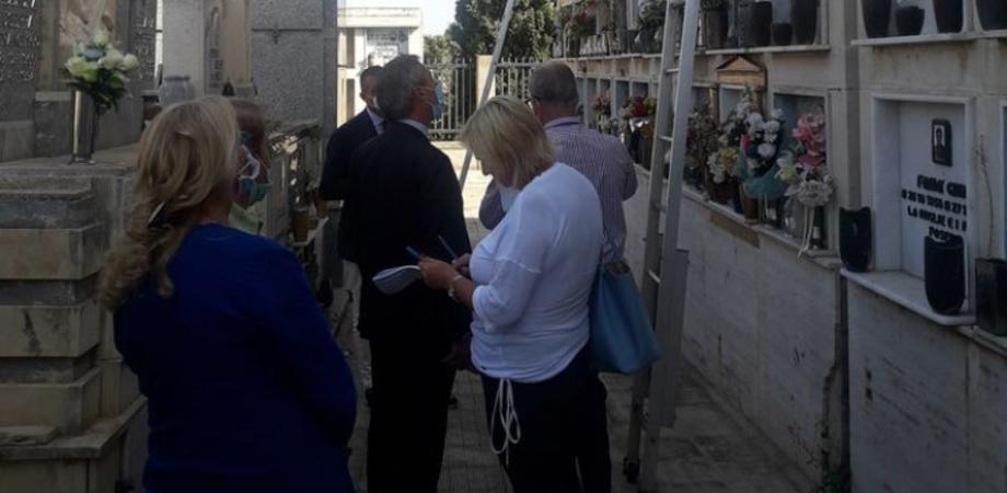 Emergenza loculi a Gela, accordo raggiunto: le Confraternite cedono al Comune 120 posti
