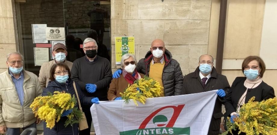 Giornata della donna, il Consolato Maestri del Lavoro di Caltanissetta visita due case di riposo