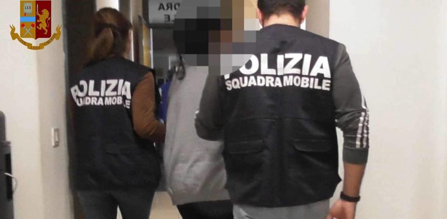 Caltanissetta, associazione di tipo mafioso ed estorsione: 72enne arrestato dalla Squadra Mobile