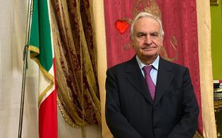 https://www.seguonews.it/covid-a-corleone-furbetti-del-vaccino-il-sindaco-dopo-essere-stato-scoperto-si-dimette