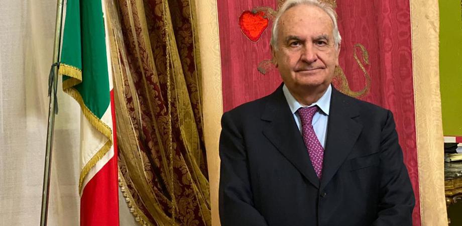 """Covid, a Corleone """"furbetti"""" del vaccino: il sindaco dopo essere stato scoperto si dimette"""