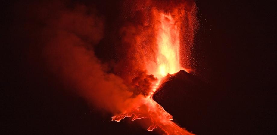 Terremoto, paura ai piedi dell'Etna: sciame sismico con oltre venti scosse in poche ore