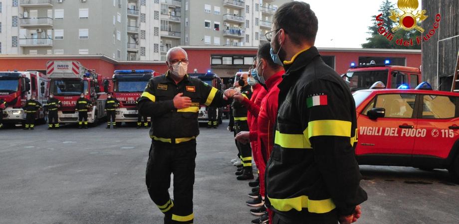 Caltanissetta, il capo reparto dei vigili del fuoco Francesco Lupo va in pensione: cerimonia in suo onore