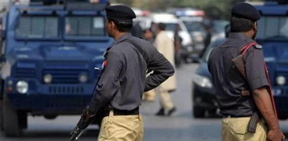 Orrore in Pakistan, bimba di 4 anni violentata e strangolata a morte