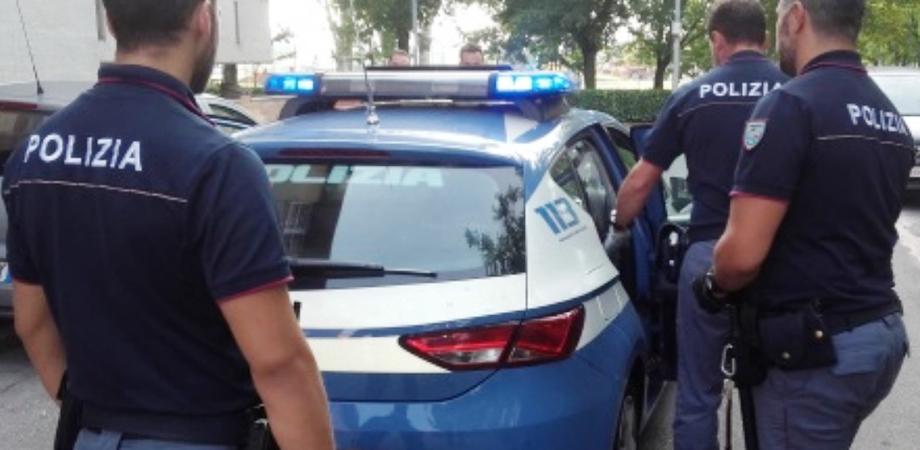 Botte, minacce di morte e insulti alla moglie: arrestato a Gela dalla polizia un 43enne