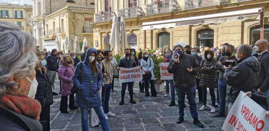 """Zona rossa a Caltanissetta per 40 giorni, il Pd: """"Colpisce il silenzio sui troppi errori commessi"""""""