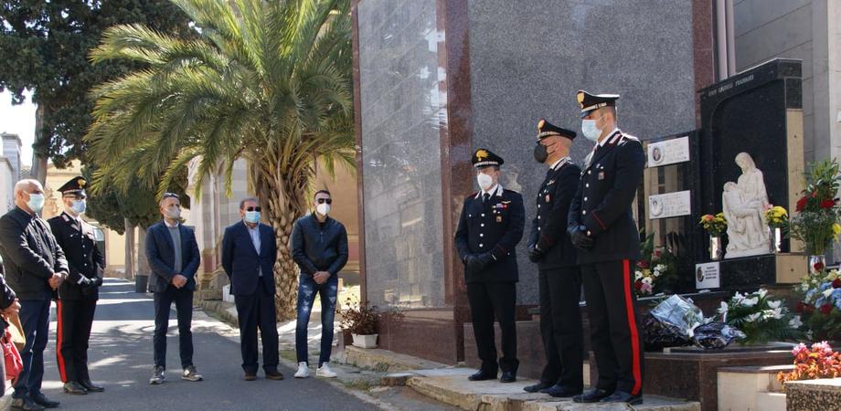 Niscemi ricorda il carabiniere Vincenzo Caruso: fu ucciso dalla 'ndrangheta in un conflitto a fuoco