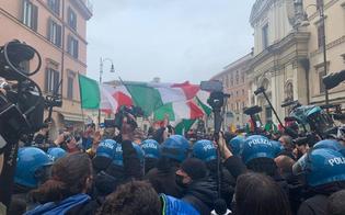 https://www.seguonews.it/roma-scontri-alla-manifestazione-ioapro-bombe-carta-e-petardi-contro-gli-agenti