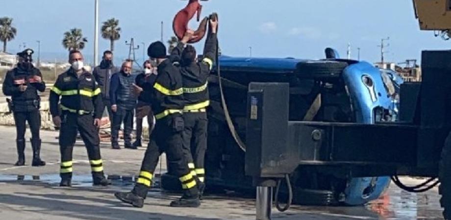 Totò Luca, il re delle auto di lusso tenta a Gela il suicidio lanciandosi in mare con la sua macchina
