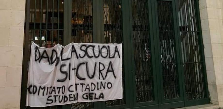 """Gli studenti di Gela vogliono la Dad, Greco: """"L'Asp sostiene che le scuole sono sicure"""""""