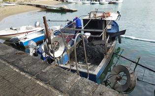 https://www.seguonews.it/due-barche-date-alle-fiamme-al-porto-rifugio-di-gela-incendio-sarebbe-scaturito-da-liti-familiari