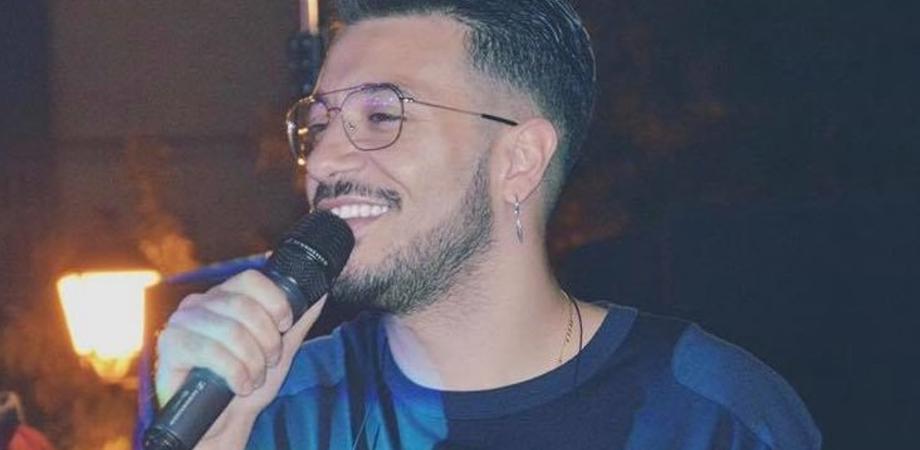 """Il cantautore Francesco D'Aleo replica a Caltanissetta Protagonista: """"Ci sono miliardi di modi per mostrare il vostro impegno. Perché parlate di me?"""""""