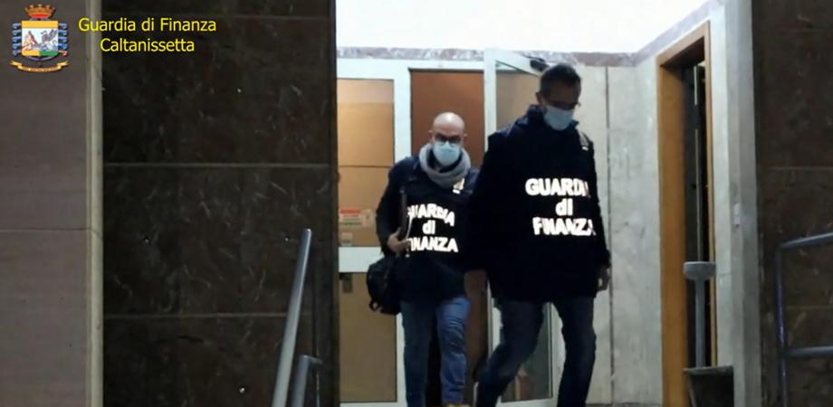 Bancarotta fraudolenta, imprenditore arrestato a Gela e misure interdittive per altri 7. I particolari dell'operazione