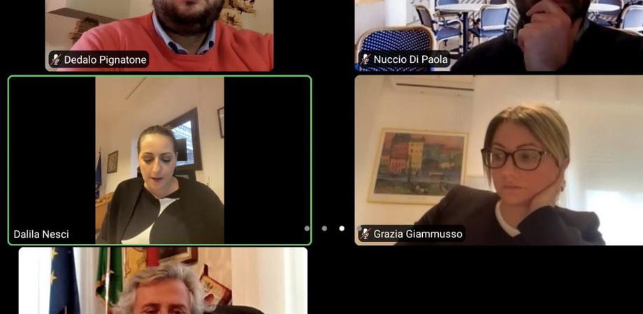 """Covid, M5S: """"Caltanissetta diventa un caso nazionale, da quasi 40 giorni è in zona rossa"""""""