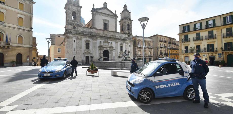 """Caltanissetta. """"Ho comprato questo scooter per 50 euro"""": poliziotti lo denunciano per ricettazione"""