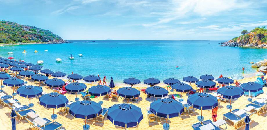 Spiagge, la Regione: tutto dipende dai contagi, potremmo anticipare l'apertura