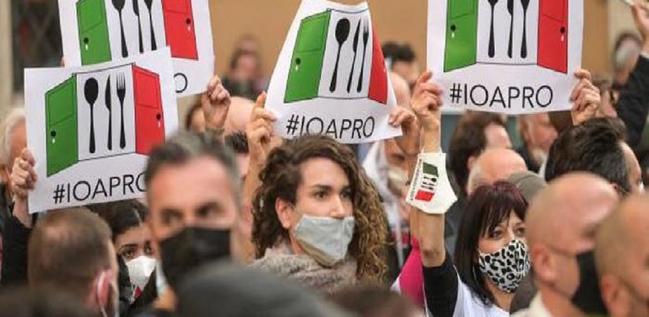 Sicilia da zona gialla ma pesano i pochi vaccini, Musumeci: rischiamo di restare arancioni