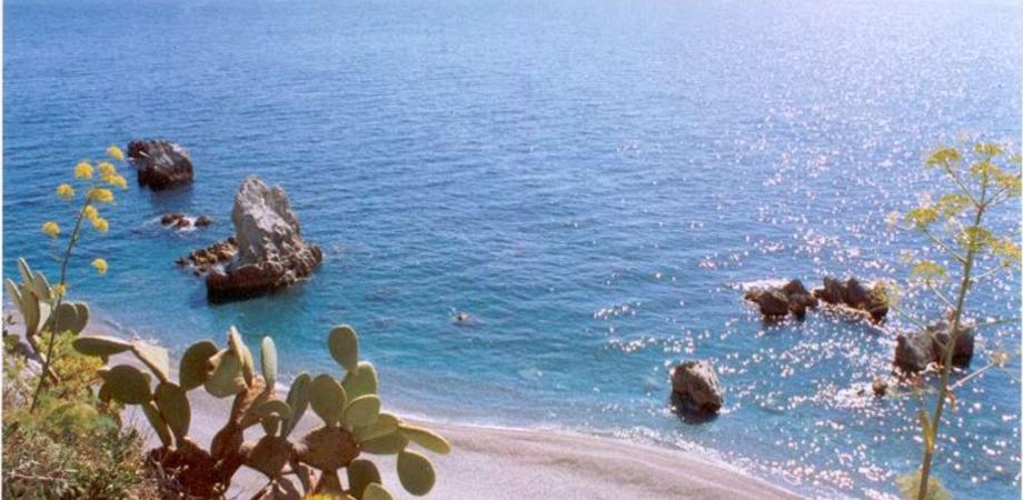 Bandiere blu, in Sicilia salgono a 10: le new entry sono Roccalumera e Alì Terme