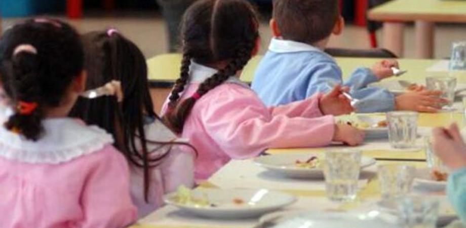 """Caltanissetta, classe della scuola """"Rodari"""" si oppone alla riapertura della mensa: impossibile garantire la sicurezza"""