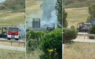 https://www.seguonews.it/pullman-prende-fuoco-lungo-lautostrada-paura-tra-i-passeggeri