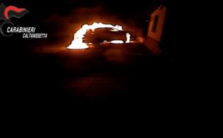 https://www.seguonews.it/in-fiamme-due-auto-e-labitazione-di-un-avvocato-di-caltanissetta-quattro-arresti