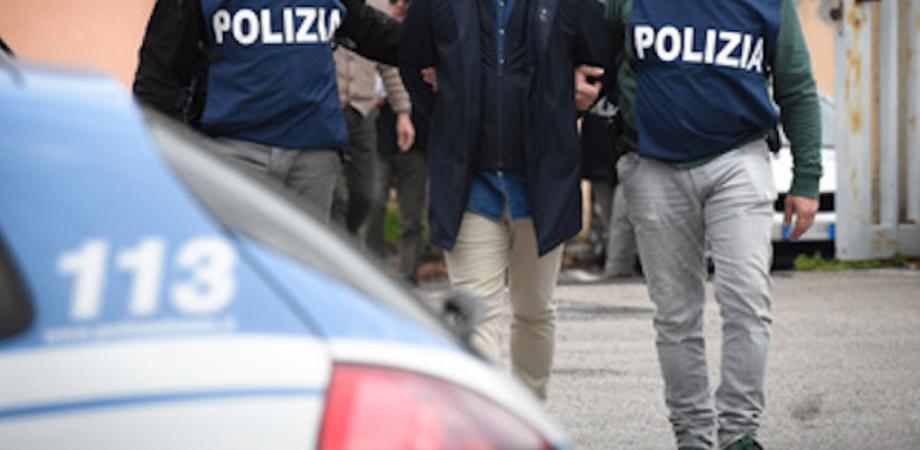 Niscemi, aggredirono e rapinarono una donna: due giovani arrestati dalla polizia