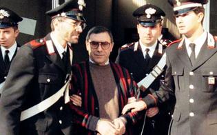 https://www.seguonews.it/il-boss-bagarella-sferra-un-pugno-a-un-poliziotto-penitenziario-a-gennaio-aveva-dato-un-morso-ad-un-altro-agente