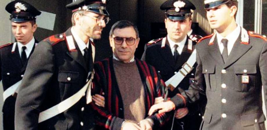 Il boss Bagarella sferra un pugno a un poliziotto penitenziario: agente lo blocca