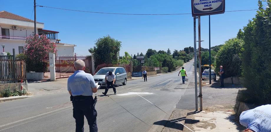 Caltanissetta, scontro tra auto e moto: 49enne trasportato in codice rosso al Sant'Elia