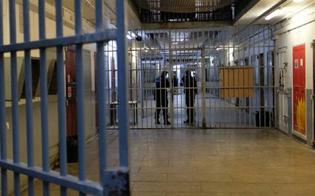 https://www.seguonews.it/momenti-di-tensione-al-carcere-di-caltanissetta-sequestrati-due-agenti-penitenziari