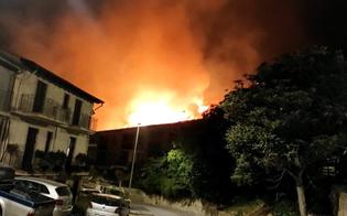 https://www.seguonews.it/vasto-incendio-a-caltabellotta-le-fiamme-lambiscono-case-persone-in-strada