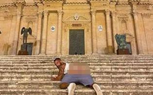 https://www.seguonews.it/turista-scatta-foto-mostrando-i-glutei-davanti-la-cattedrale-di-noto-multa-da-10-mila-euro