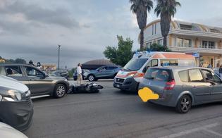 Incidente a Caltanissetta, scontro tra un'auto e uno scooter: giovane trasportato al Sant'Elia