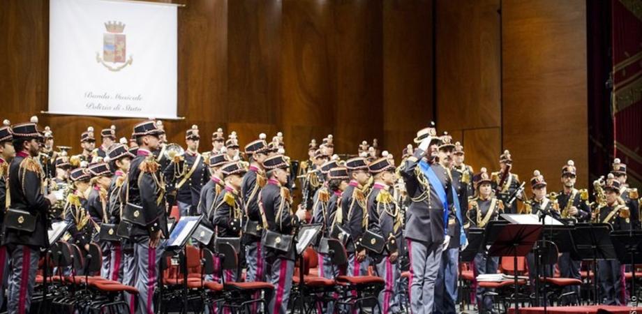 """""""Note di legalità"""" per ricordare Gaetano Giordano, la banda musicale della Polizia si esibisce a Gela"""