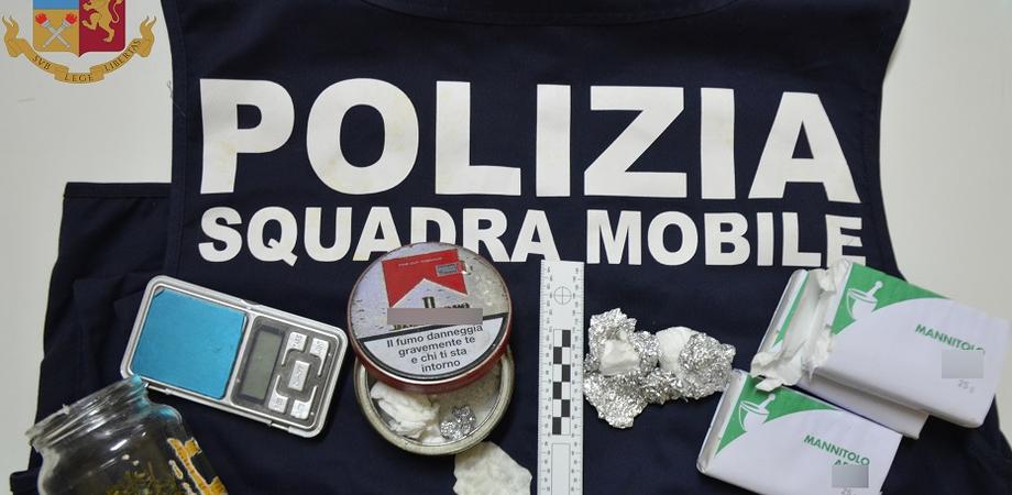 Santa Caterina Villarmosa, comprava cocaina con i soldi del reddito di cittadinanza per poi rivenderla: arrestato