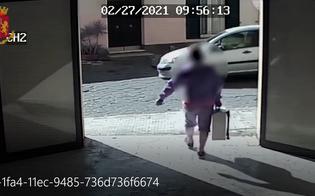 https://www.seguonews.it/caltanissetta-entra-in-unazienda-e-porta-via-una-valigia-porta-attrezzi-ladro-denunciato-dalla-squadra-mobile