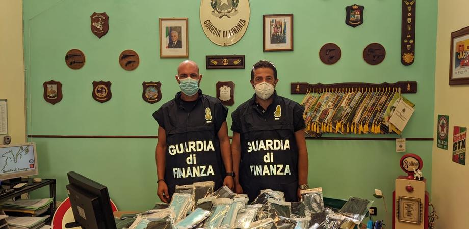 Gdf Palermo: sequestrate a Termini Imerese 476 mascherine Dpi non sicure