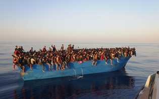 https://www.seguonews.it/tratta-di-esseri-umani-5-scafisti-egiziani-arrestati-per-sbarco-di-530-migranti-a-lampedusa