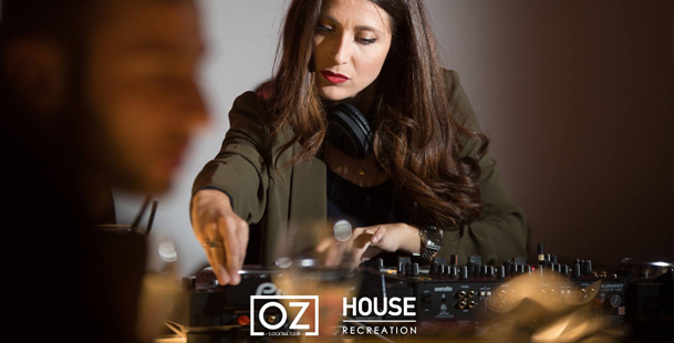 Houserecreation with guest > OZ