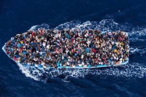Migliaia i profughi che cercano una speranza in Europa
