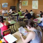 studenti scuola istruzione aula giovani