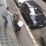 Una aggressione ripresa da una telecamera di sorveglianza